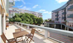 Appartement T3 avec grande terrasse proche de tout à Lagos