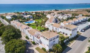 3 propriétés : 1 triplex et 2 bureaux avec vue mer proche Albufeira
