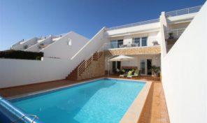 Villa jumelée contemporaine V3+1 proche plage à Praia da Luz