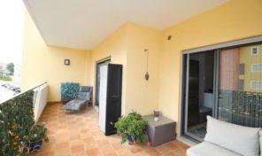 Appartement T2 avec grand balcon et garage à Lagos