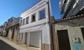 Maison de ville T3 avec garage dans centre historique de Lagos