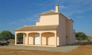 Maison T4 avec grand terrain et orangeraie proche Luz de Tavira