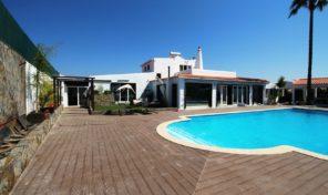 Propriété avec 2 logements proche golf et plage Salgados