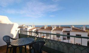 Maison jumelée T3+1 vue mer face plage Meia Praia