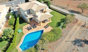 Villa V3 dans petit complexe proche Lagos