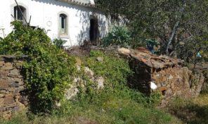 Ancienne ferme et dépendances  proche Santa Catarina