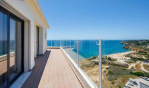 Penthouse en duplex rénové T4  en front de mer à Armação de Pêra