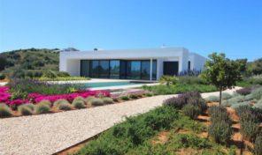 Terrain et villa V4 clés en main vue golf et mer à Vale de Lama