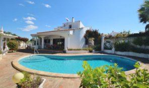 Villa traditionnelle V3 avec garage à Praia da Luz