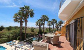 Villa V4 vue mer proche plage Meia Praia