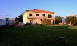 Maison T4 à moderniser proche plage à Quarteira
