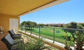 Appartement meublé T2 vues golf et mer dans Resort de Boavista