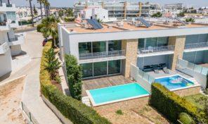 Maison jumelée V3 avec piscine privée à Albufeira