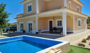 Villa V3 avec garage et grand terrain proche Santa Catarina