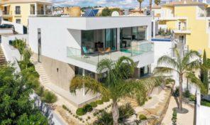 Villa V4 avec belles vues sur les hauteurs de Lagos