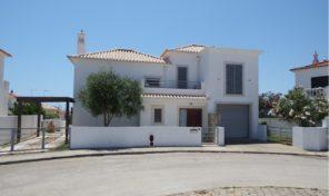 Villa V4 avec garage et piscine proche plage à Altura