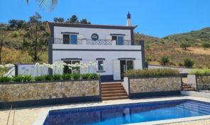 Villa V4 avec garage et vues proche Santa Catarina